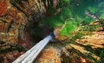 Vista aérea del Salto Churún-Merú, a 10 km de Salto del Ángel, Venezuela